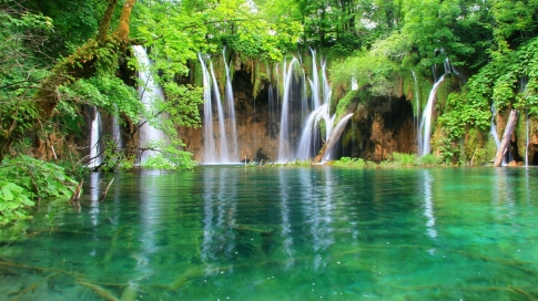 plitvice-lakes-national-park-croatia-wood-jungle-water-falls-1920x1080-wallpaper61053
